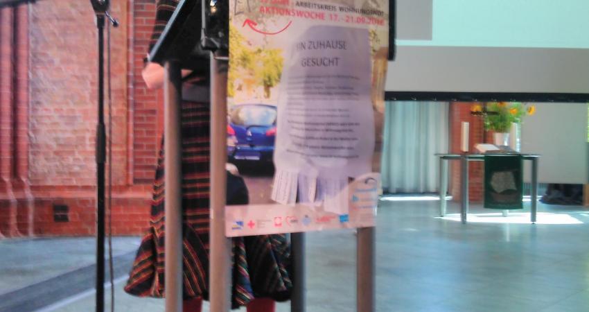 Ingrid Stahmer, Sprecherin der Landesarmutskonferenz Berlin eröffnet den  Fachtag