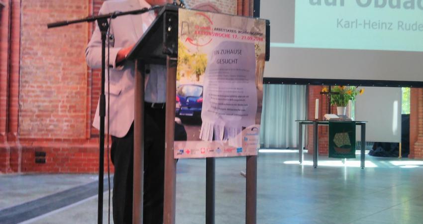 Rechtsanwalt Karl Heinz Ruderer beim Fachtag Recht für EU Bürger auf  Obdach